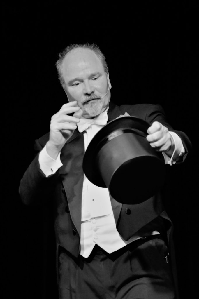 Magician Daryl Rogers Green Bay Wisconsin
