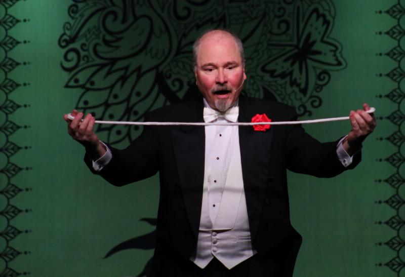 Northeast Wisconsin Magician Daryl Rogers